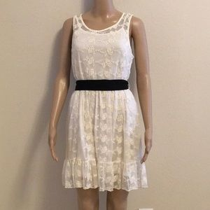 NWOT lace dress size M